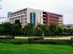 西南医科大学附属医院卫生学校图片
